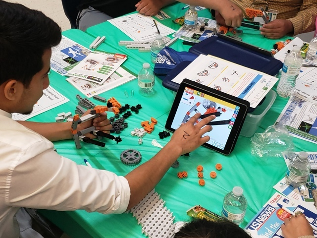 Texans Can Academy - Dallas Oak Cliff Students Get Scientific with STEM at Viva Technology